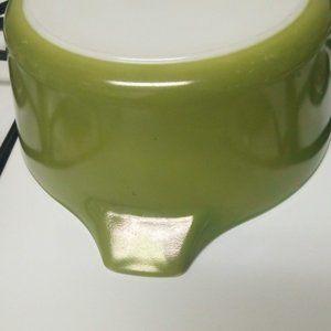 Vintage Retro Pyrex Green Casserole 475